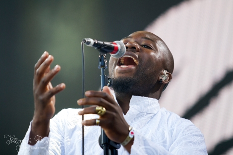 YoungFathers_TriggerBug_01